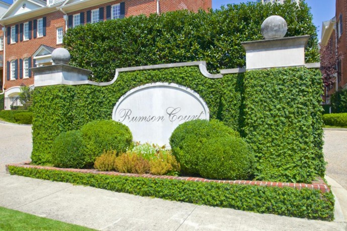 Buckhead Townhomes And Gardens Apartments
