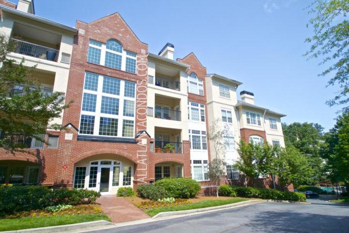 Habersham Oaks Buckhead Atlanta Midrise Condos For Sale 30305